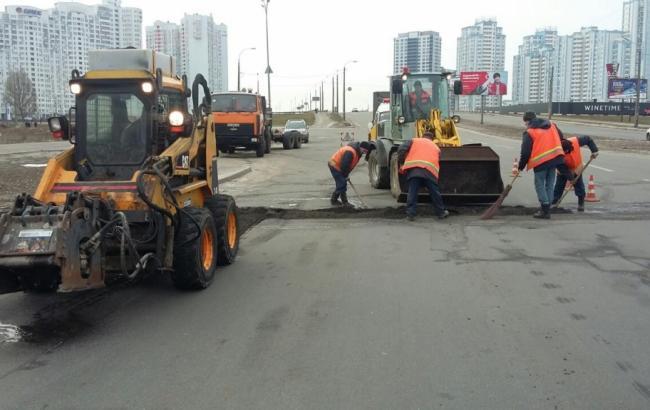Фото: ремонт дорог Киева