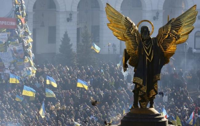 Фото: День Достоинства и Свободы в Киеве на Майдане (voanews.com)