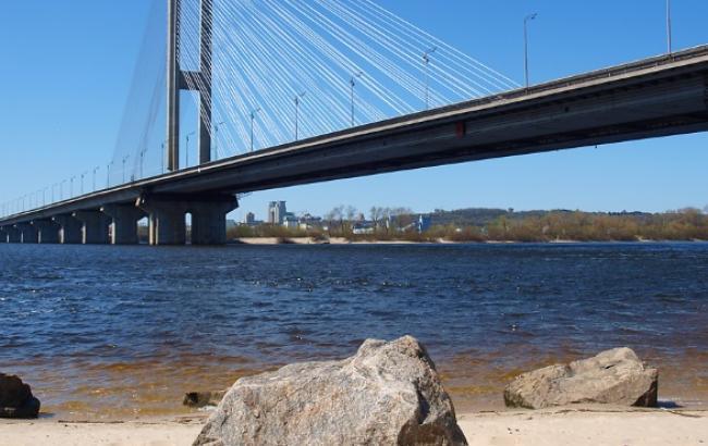 У Києві з 21 по 24 листопада обмежать рух на Південному мосту в напрямку моста Патона