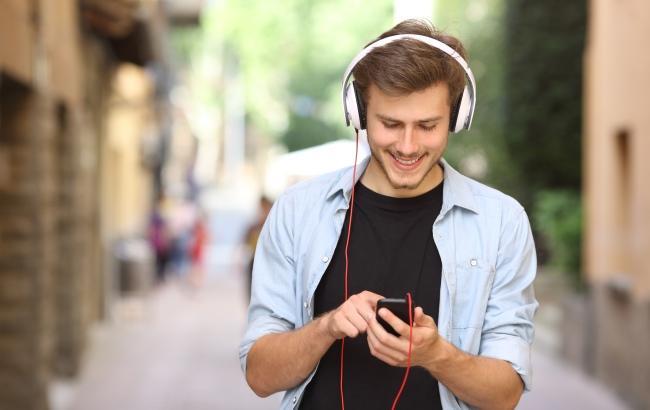 Фото: Прослуховування музики (ticbeat.com)