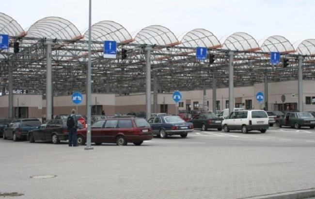 Фото: авто на границе с Польшей