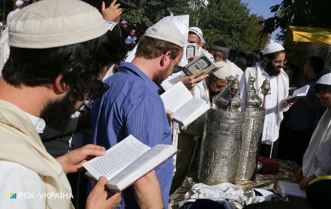 Конгрессмены США просят Украину пропустить в Умань около 2 тысяч хасидов