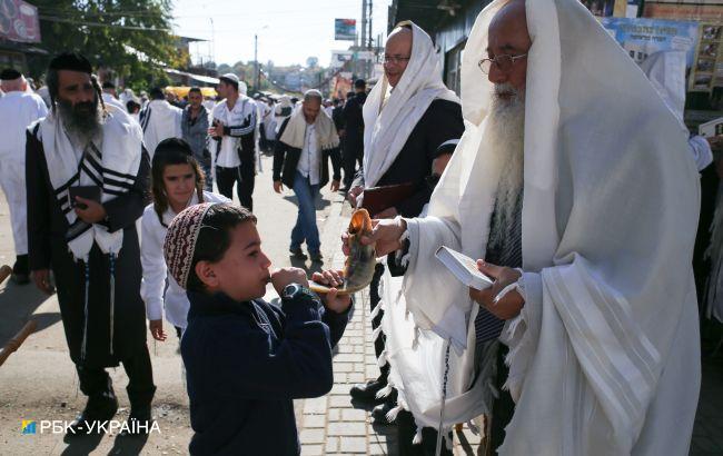 Израиль просит Зеленского запретить паломничество хасидов в Умань