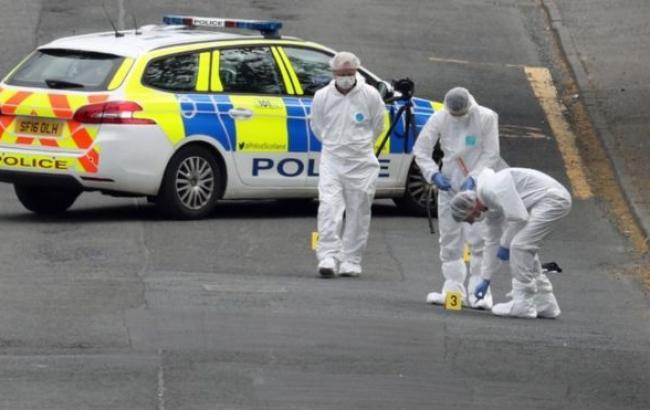 У Шотландії на поліцейських напав чоловік із ножем