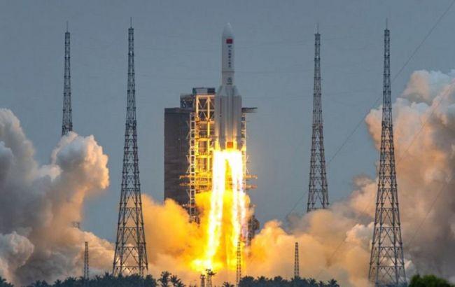 На Землю впала неконтрольована Китайська ракета: що відомо
