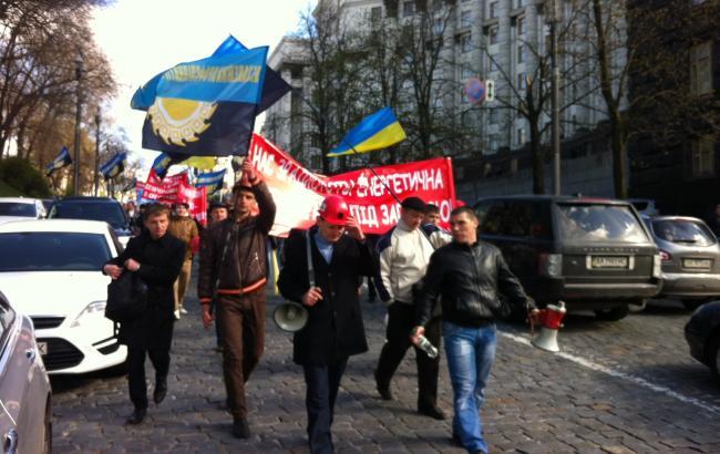 У Києві шахтарі перекрили рух на Грушевського