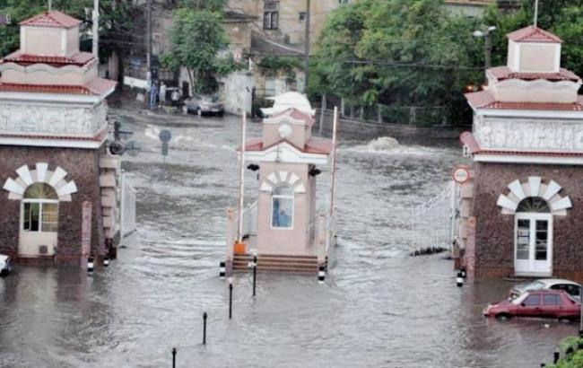 Фото (Думская.net): потоп в Одесі