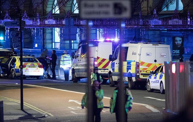 Фото: взрывы на стадионе Манчестера