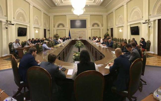 Комитет рекомендует Кабмину проверить обоснованность повышения ставок на вагоны УЗ