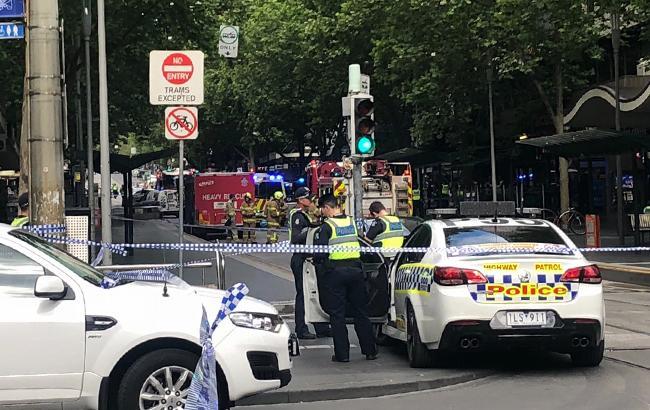 В Мельбурне неизвестный напал на прохожих с ножом, 1 человек погиб, еще 2 пострадали