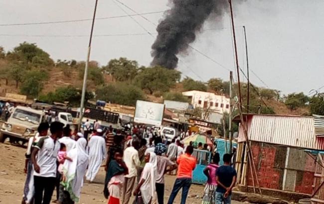 В Судане разбился вертолет, погибли 7 должностных лиц