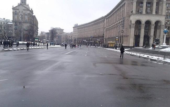Фото: силовики перекрыли центр города