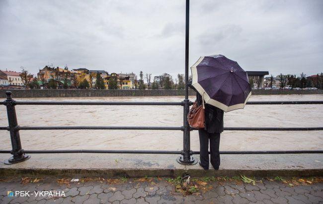 Циклон завтра принесе в Україну дощі
