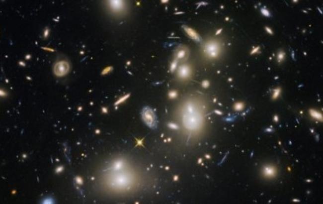 Фото: Стародавні галактики Всесвіту