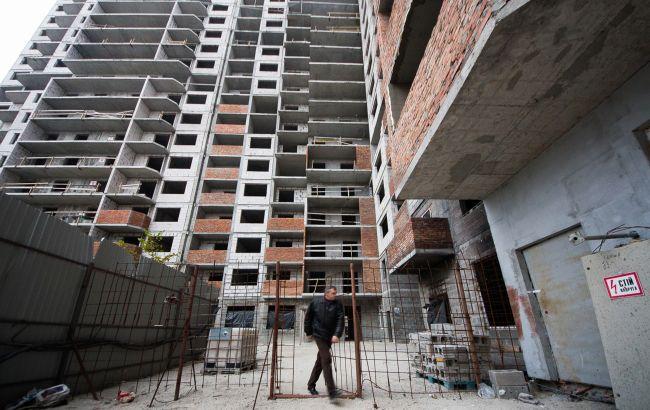 Інвестиції в економіку України впали на третину