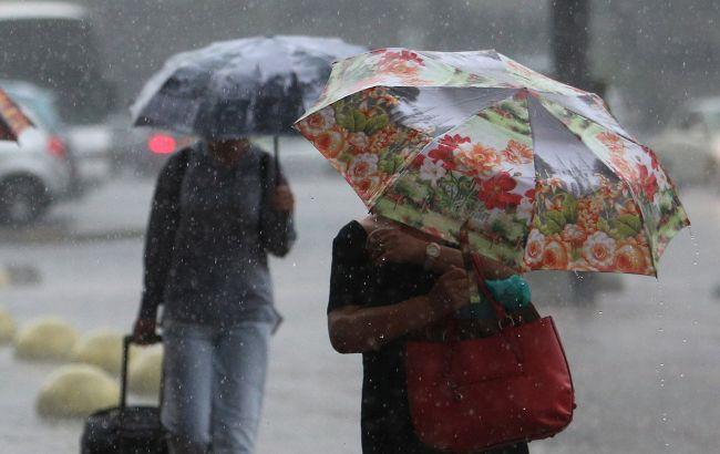 Похолодання та дощі: прогноз погоди на останній день літа