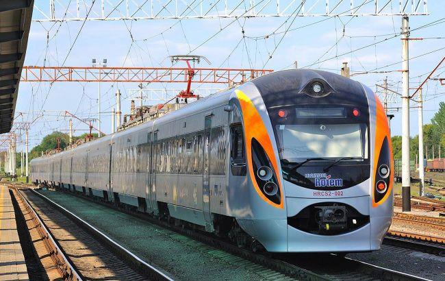 В Україні затримується частина поїздів через крадіжку кабелю на Дарниці