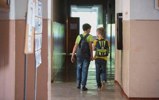 У Закарпатській області майже половина шкіл перейшла на дистанційне навчання