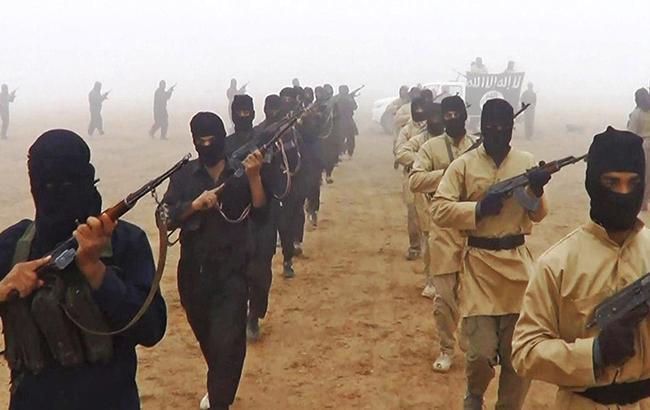 Фото: боевики ИГИЛ (скриншот видео Al Joumhouria)