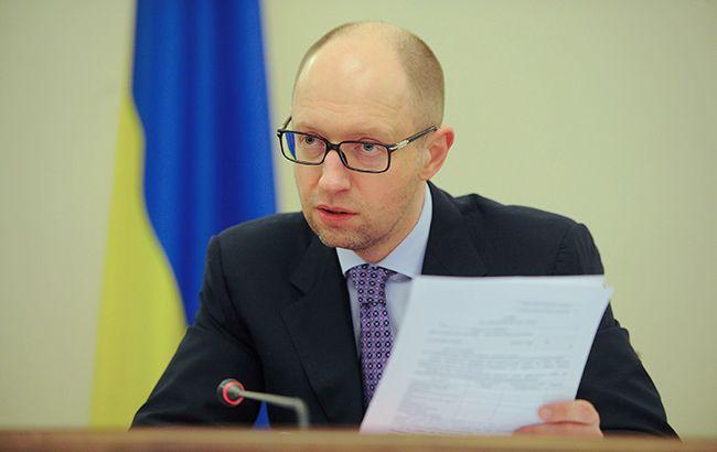 Арсений Яценюк намерен инициировать дальнейшее расширение санкций против России