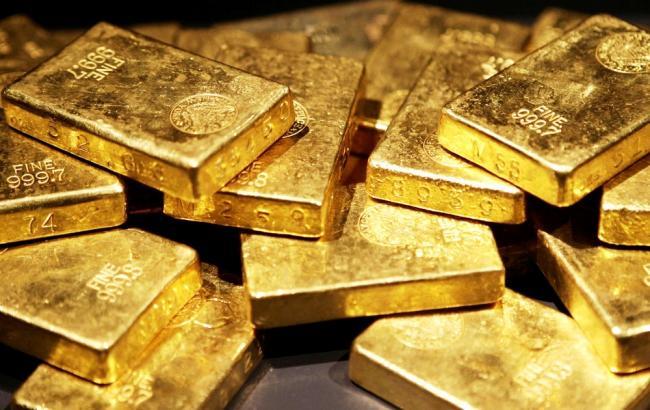 НБУ понизил курс золота до 267,16 тыс грн за 10 унций