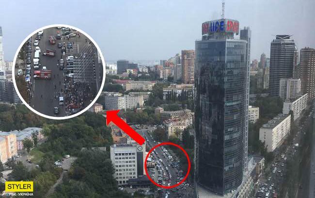 В киевском бизнес-центре произошел пожар: подробности инцидента