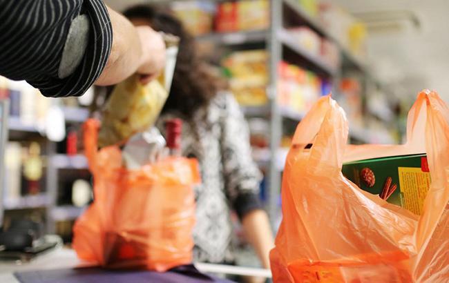 У Львові обмежують використання поліетиленових пакетів у крамницях