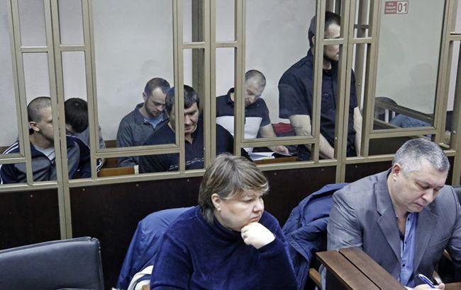 """""""Суд"""" в Крыму оставил под арестом троих фигурантов """"дела Хизб ут-Тахрир"""""""