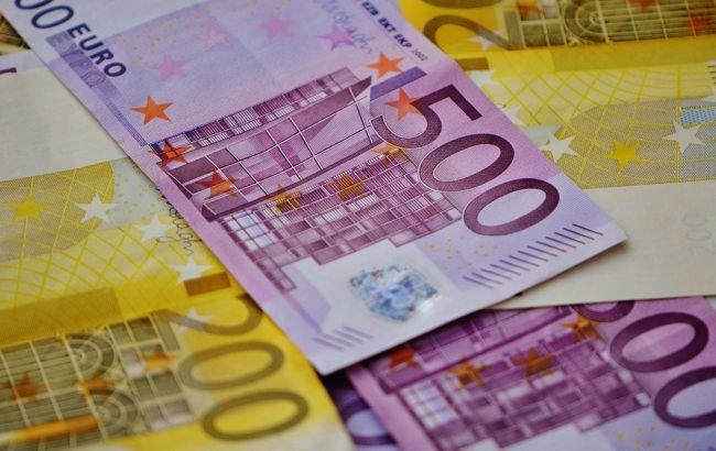 НБУ опустив офіційний курс євро нижче 30 гривень