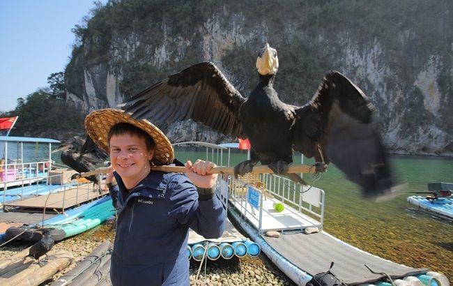 Дмитрий Комаров отправляется в экзотическую рыбалку и показывает, как китайцы ловят добычу с помощью бакланов