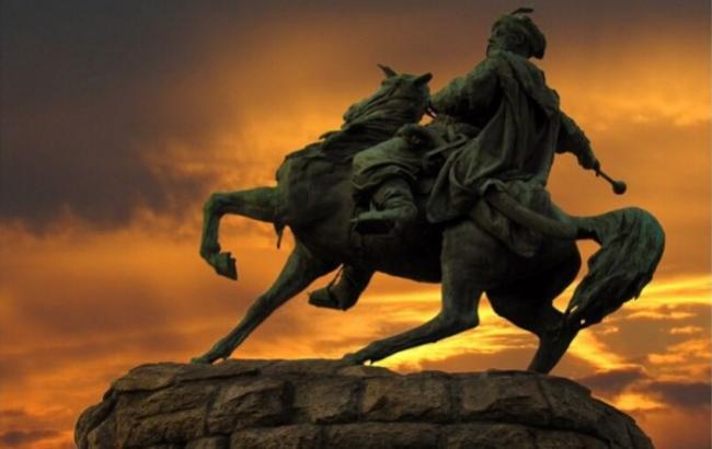 """Пам'ятник Хмельницькому """"оживе"""" і """"поскачете"""" на Софіївській площі"""
