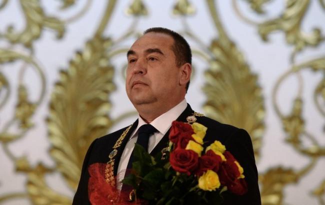 """Фото: главарь """"ЛНР"""" Плотницкий утверждает, что он почти не пострадал"""