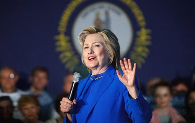 Фото: у Хілларі Клінтон діагностували пневмонію