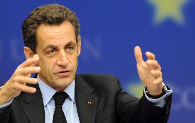 Фото: Ніколя Саркозі збирається залишити політику і приділяти більше часу сім'ї