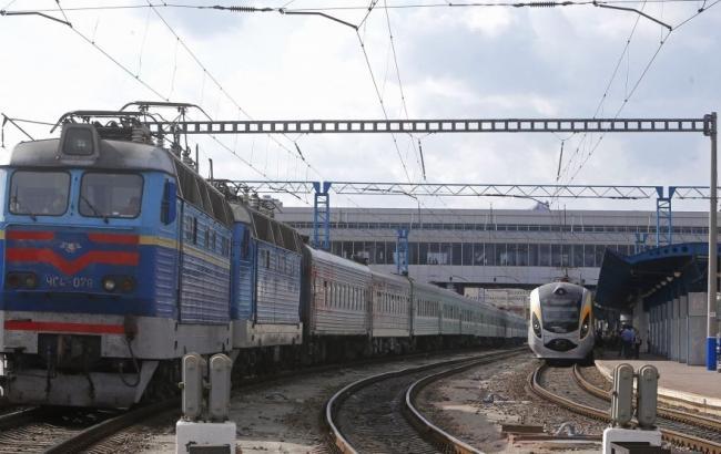 """Фото: поїзд """"Київ-Маріуполь"""" почне курсувати з 22 грудня"""