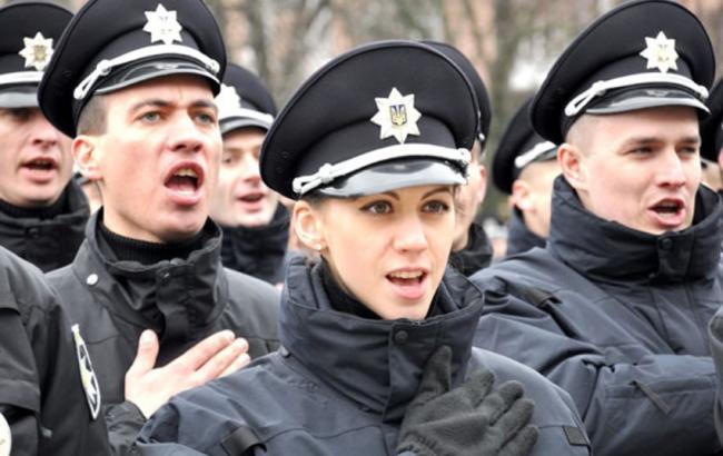 Фото: у Полтаві прийняла присягу патрульна поліція