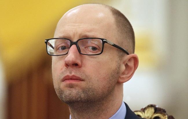 Фото: Яценюка вызывают в суд по иску Григоришина