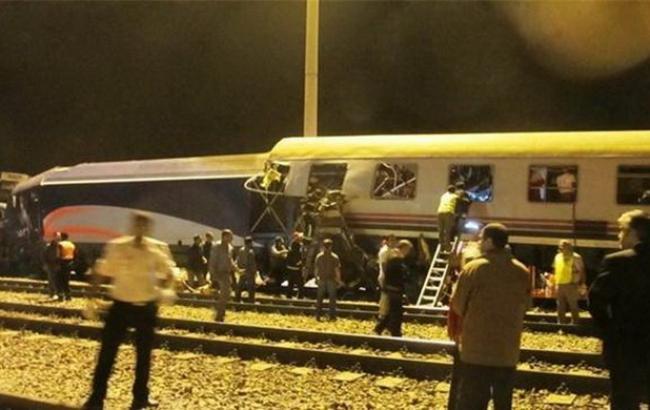 Фото: авария поездов в Иране