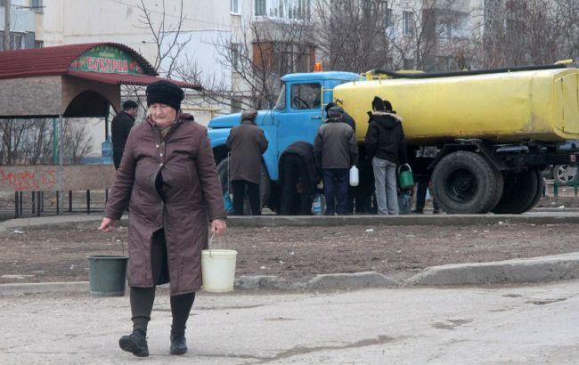 """До останньої краплі: як Україна і Росія """"борються"""" за кримську воду"""