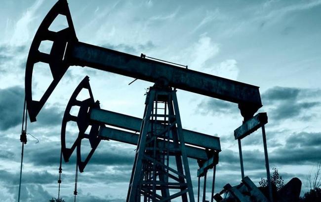 Страны ОПЕК нарастили добычу в апреле до максимума за 8 лет