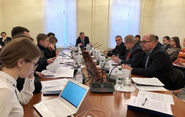 Комитет рекомендует Раде определить правовой статус политзаключенных Кремля