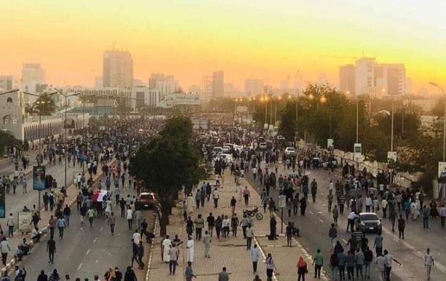 У Судані протестувальники вимагають передати владу цивільному уряду