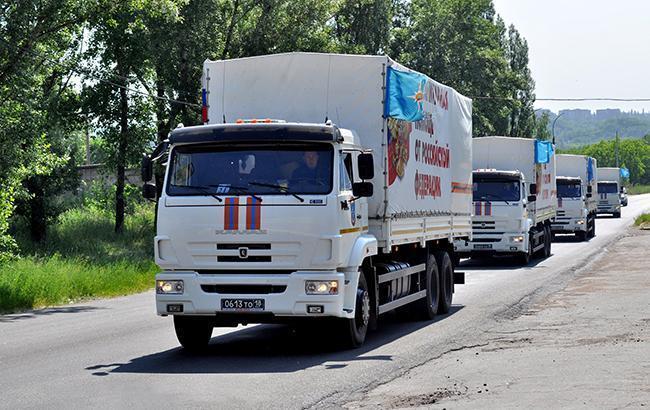 """На Донбасі виявили """"гумконвой"""" РФ із військовими машинами"""