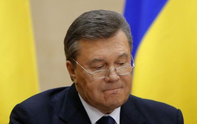 Фото: продолжается допрос Януковича