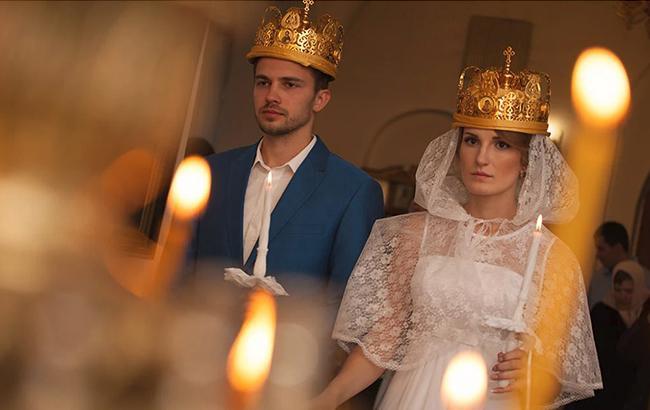 Церковні обряди: стало відомо, скільки коштують хрестини і вінчання у Києві
