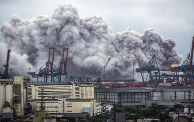 Фото: взрыв в Бразилии (EPA)