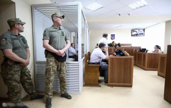 Украинцы хотят лишить судей привилегий и проверять их на детекторе лжи