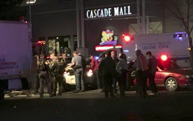 Фото: евакуація Cascade Mall