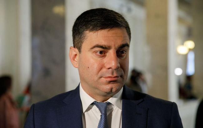 Обострение на Донбассе: комитет просит заслушать министра обороны в Раде