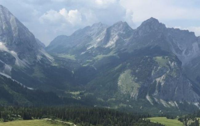Фото: Живописный пейзаж на Альпы